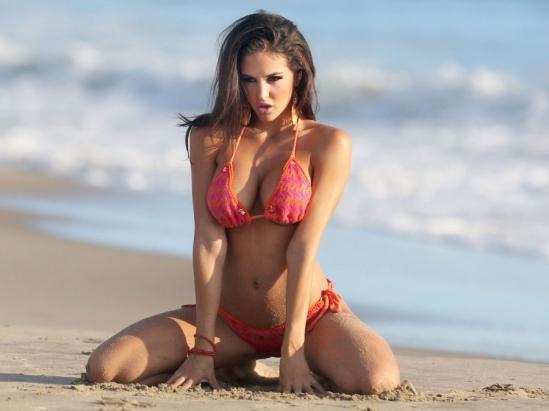38_jaclyn-swedberg-bikini-raquel-rischard-shoot-0924-19-900x675